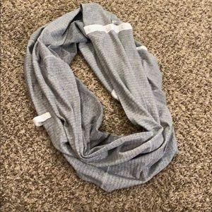 Vinyasa LULULEMON Gray Scarf neck wrap